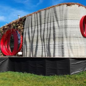 Unikátní 3D tištěný dům v Safari Resortu, Hluboká u Borovan.
